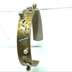 💛🤍 Artisan made bangle, signed 🤍💛